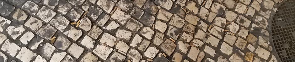 Beatas também são Lixo: beatas na calçada