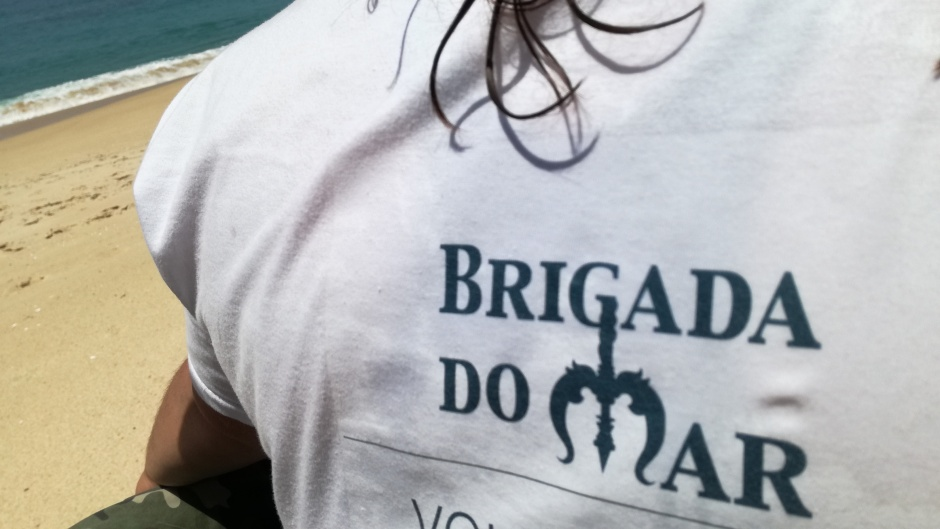 T-shirt de voluntário da Brigada do Mar