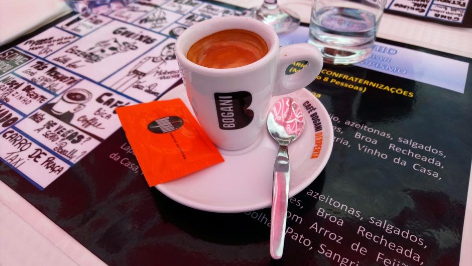 Café: só com colher reutilizável, recuse o descartável!