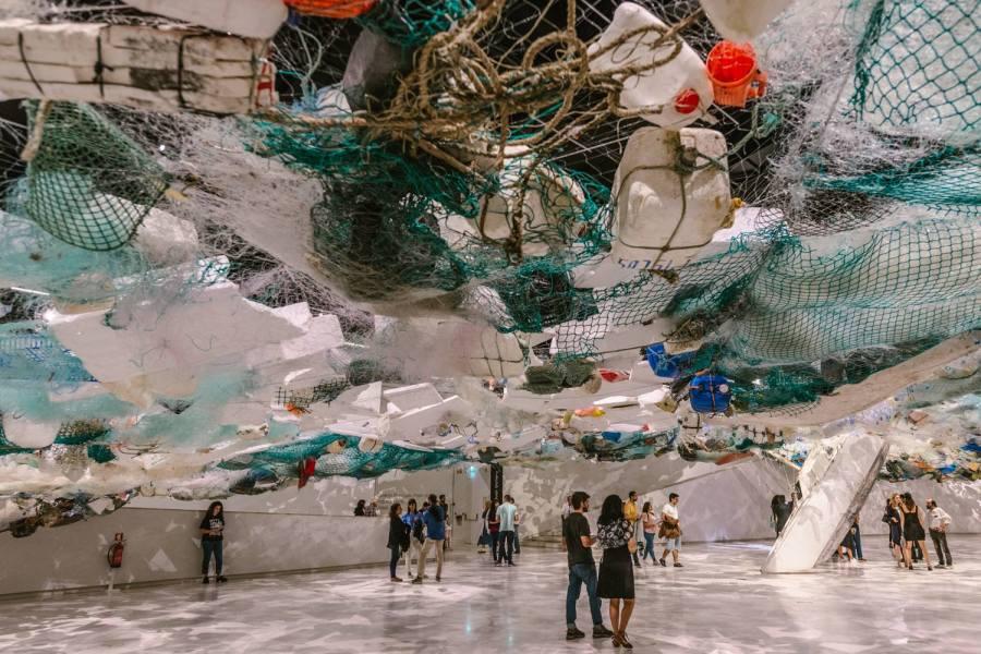 Over Flow, a exposição individual de Tadashi Kawamata na Galeria Oval do MAAT, foca questões em torno do turismo e da ecologia globais.